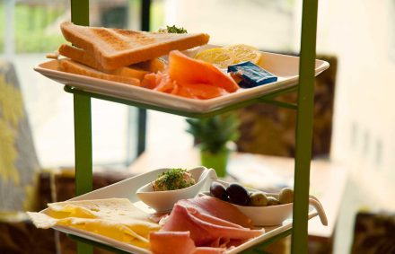 Schöne Zeit Frühstück ist das Frühstück für zwei Personen im Cafe Die Kaffeemacher in der Stadtgalerie in Schwaz